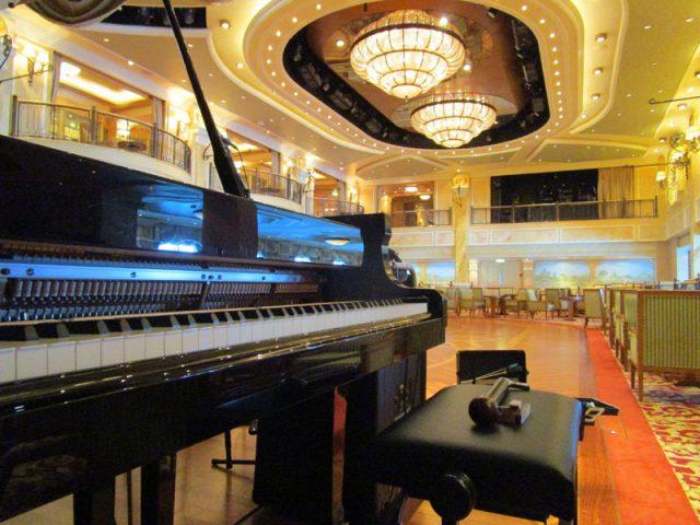 Barcelona, puerto de afinadores de pianos