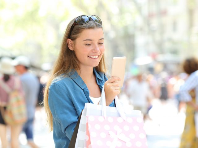 Apps al servicio de la deslocalización turística en Barcelona y Palma